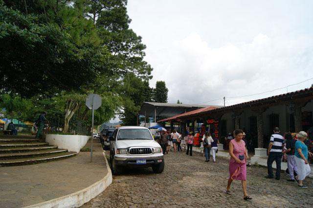 23 Calles en la plaza de Ataco
