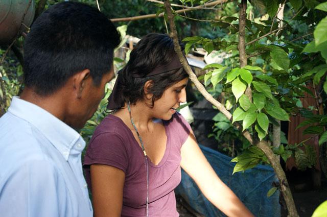 30 Eli dando curso en la comunidad la Ceiba