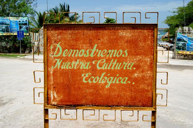 Mensaje ecologico en Bacalar