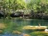 Eli nadando en el cenote Jardin del Eden