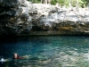 Ale nadando en el cenote Jardin del Eden