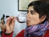 10.Eli-degustando-vino