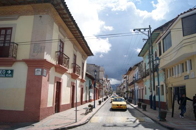 03-calles-cotacachi