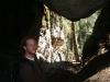 21. Ale en una cueva del recorrido