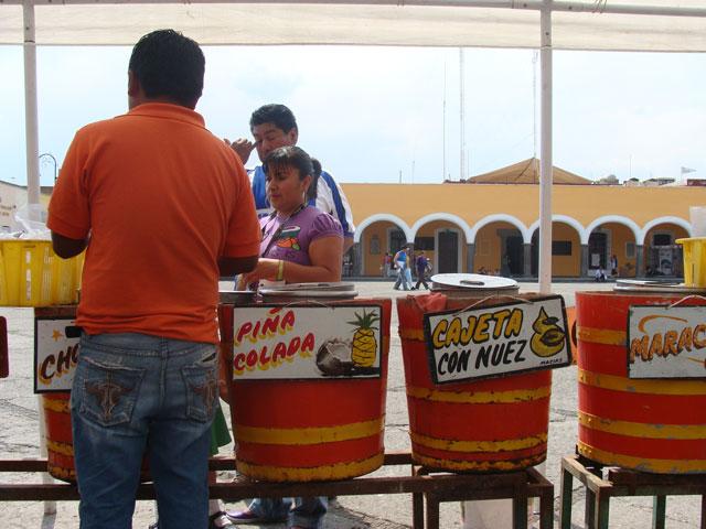 04B. Nieves de garrafa en la plaza de Cholula