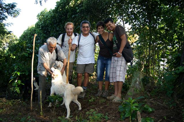 05. Con amigos salvadorenos