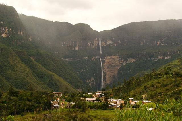 06.panoramica-Cocachimba-y-cascada-Gocta