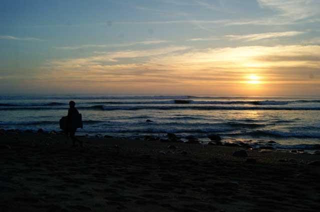 04a.Surfer-al-atardecer