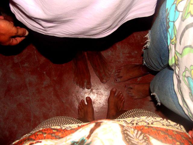 10a Bailando descalzos