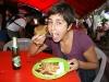 18. Eli comiendo Riguas