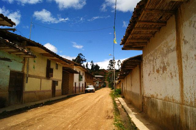 03-Calles-Luya