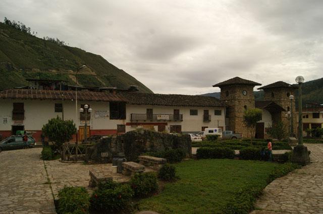 01.Plaza-de-Leymebamba