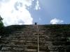 21. Eli en la cima de la piramide
