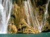 06 Ale bajo la cascada de Minas Viejas