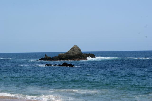 06.-Rocas-en-el-mar