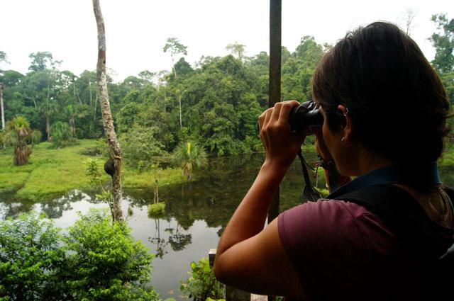 14.Eli-observando-aves