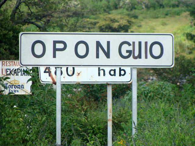 Entrada a Oponguio