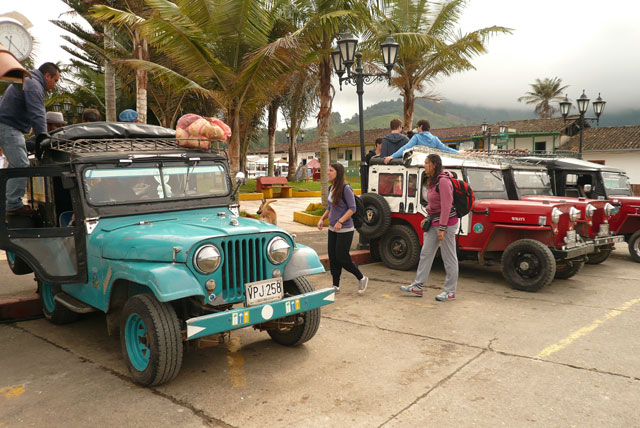 23b.Jeeps-a-Cocora