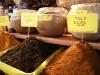 07. Moles en polvo en el mercado