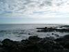 Rocas al borde de la playa