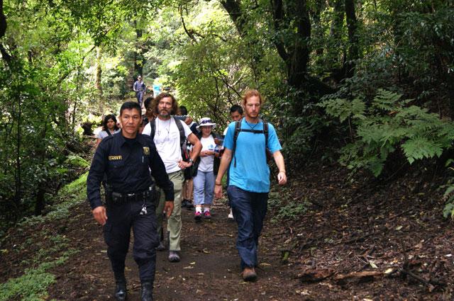 07 Caminando al volcan Santa Ana
