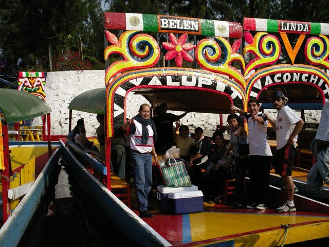 00A Paseo familiar por Xochimilco