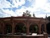 Kiosko del amor frente al acueducto